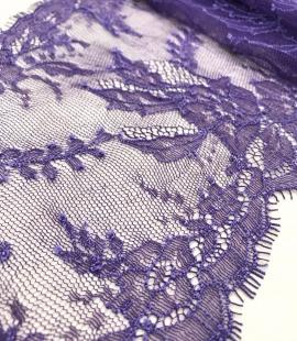 Violeta smalka mežģīne