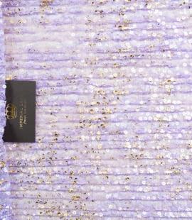 Violets gofrēts mežģīņu audums ar zelta fliteriem
