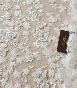 Piena balts 3D pērļots mežģīņu audums