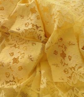 Dzeltena Chantilly Mežģīne