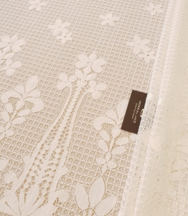 Ivory 100% polyester floral guipure lace fabric