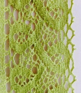 Zaļa kokvilnas mežģīnes maliņa