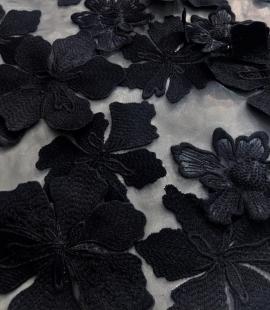 Melns 3D lielu ziedu raksta mežģīņu audums
