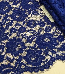 Karaliski zila puķaina biezs mežģīņu audums