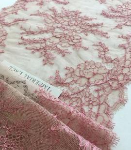 Miesas krāsas ar rozā smalka elastīga mežģīes maliņa