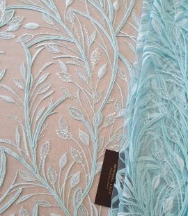 Tiffany zils lapu raksta izšuvums uz tilla auduma