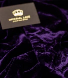 Tumši violets viskozes samta audums