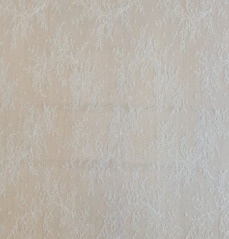 Ivory natural chantilly lace fabric by Jean Bracq. Photo 6