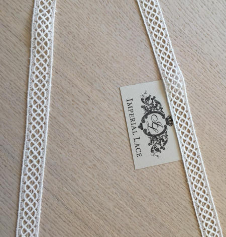 Ivory cotton lace trimming. Photo 2