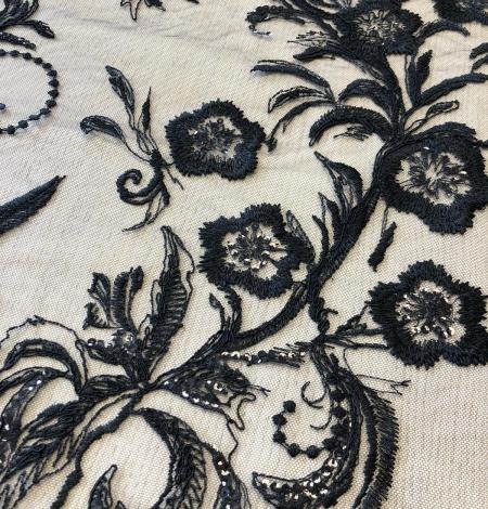 Melns pērļots romantisks izšuvums uz tilla auduma. Photo 4