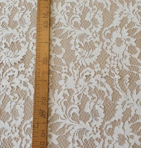 Ivory guipure lace fabric. Photo 9