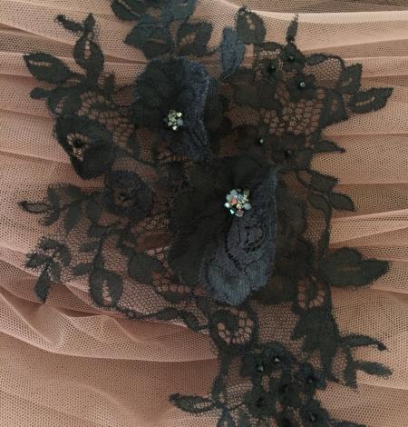 Melna aplikācija ar 3D puķēm un kristāliem. Photo 1