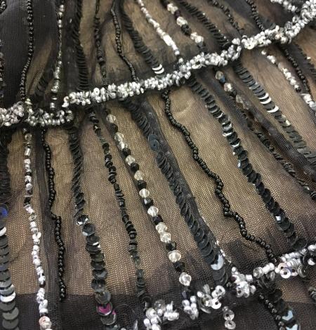 Melns volāns tills ar pērlītēm. Photo 4