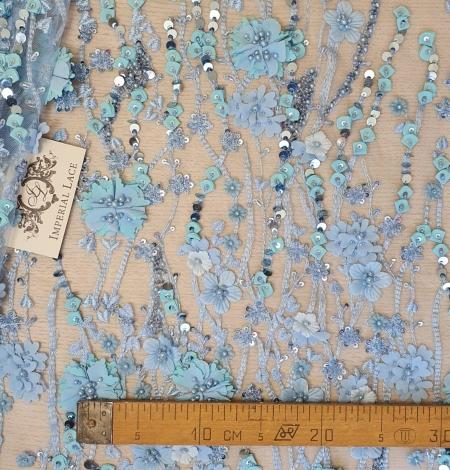 Zils 3D ziedu organisks raksts uz tilla auduma. Photo 6