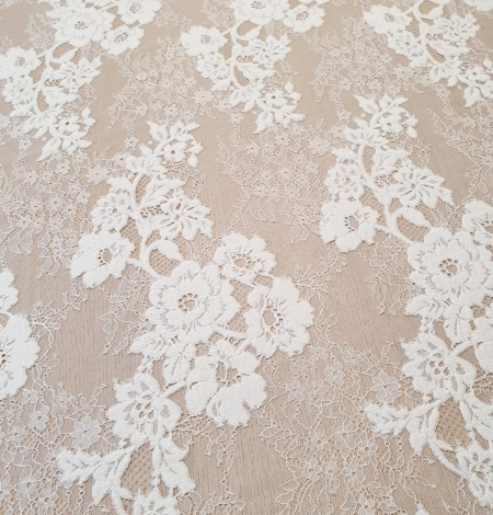 Off White  guipure with chantilly pattern lace fabric. Photo 6