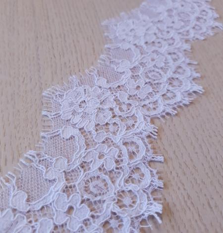 Balta bieza mežģīnes maliņa. Photo 3