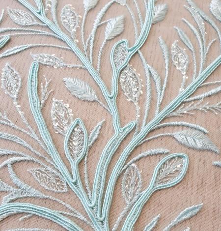 Tiffany zils lapu raksta izšuvums uz tilla auduma. Photo 4