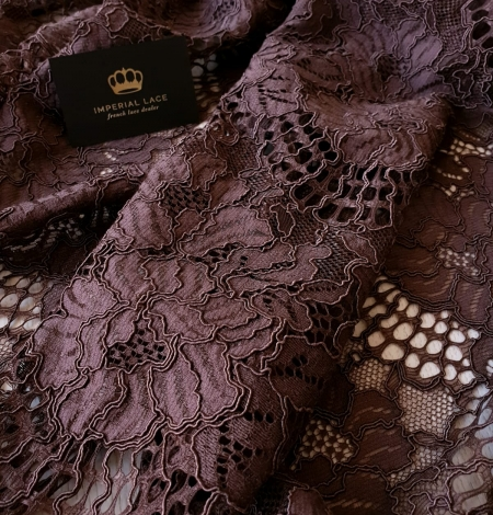 Brown floral guipure lace fabric . Photo 4