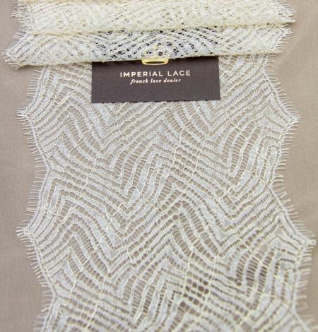 Ziloņkaula ar zelta diegu organisks raksta chantilly mežģīņu apdare. Photo 7