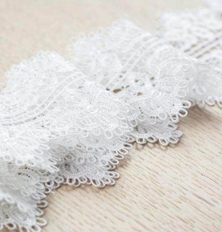 Piena balta figūru macrame mežģīņu apdare. Photo 3