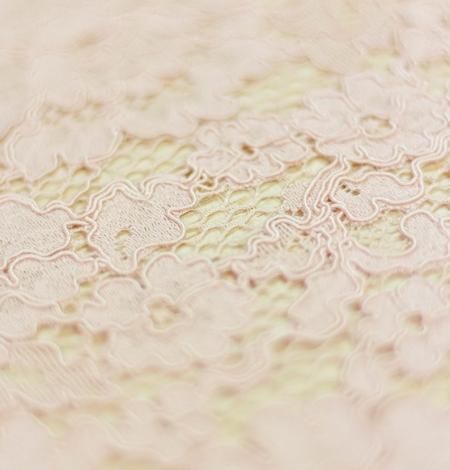 Rozā ziedu raksta guipure mežģīņu audums. Photo 2