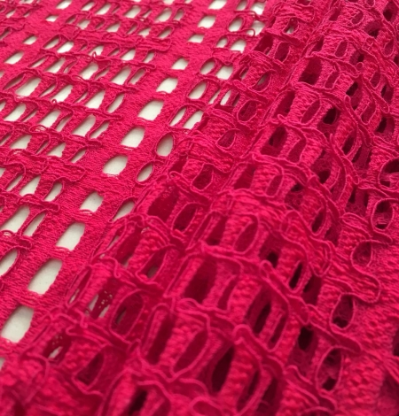 Raspberry red lace fabric. Photo 5