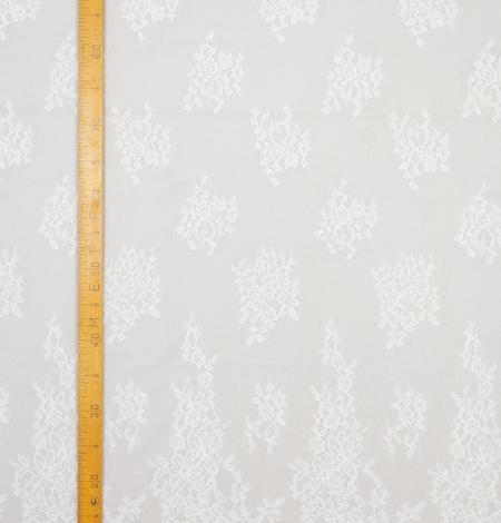 Piena balts ziedu chantilly mežģīņu audums. Photo 9