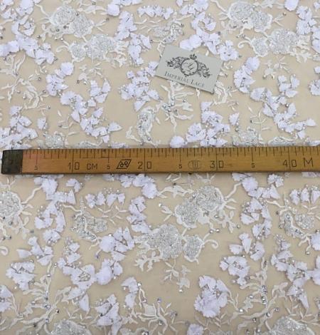 Balts 3D ziedu raksta mežģīņu audums. Photo 5
