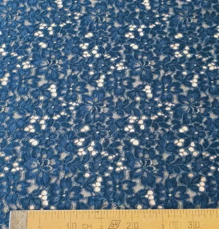Blue 70% polyester 30% cotton floral pattern guipure lace fabric. Photo 9