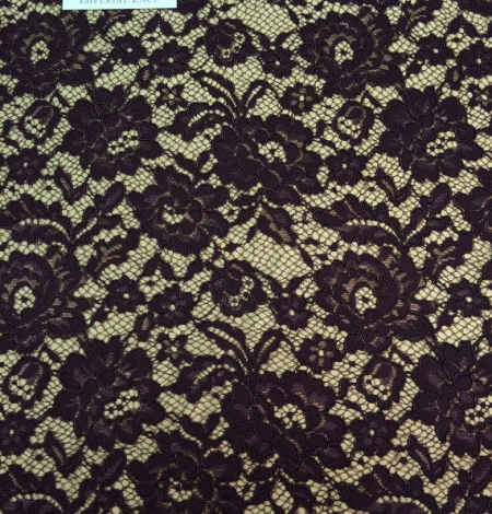 Brown lace fabric. Photo 3