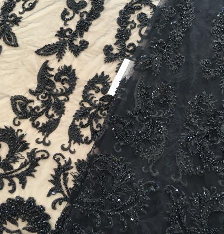 Melns pērļots izšuvums uz tilla auduma. Photo 3