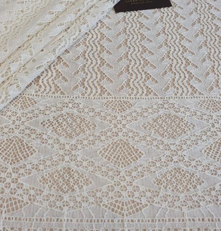 Ivory cotton 95% chantilly lace fabric. Photo 1