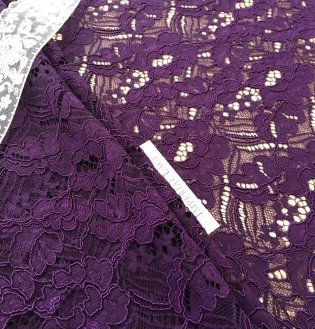 Violets ziedu raksta guipure mežģīņu audums. Photo 5