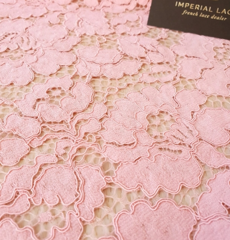Pink floral guipure lace fabric. Photo 3
