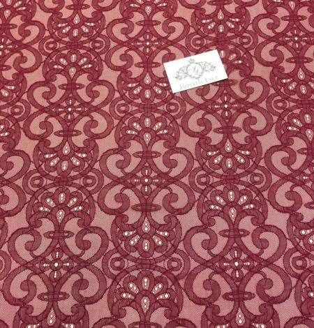 Sarkana Chantilly Mežģīne. Photo 2