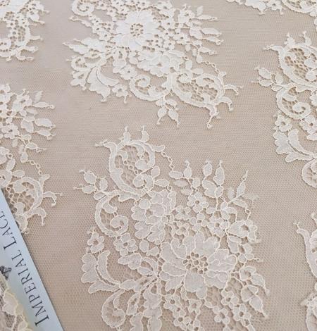 Persiku krāsas Chantilly Mežģīne. Photo 1