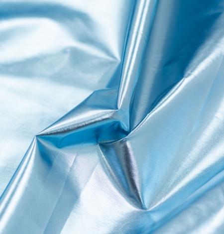 Zilas krāsas spīdīgs lietusmēteļa audums. Photo 4