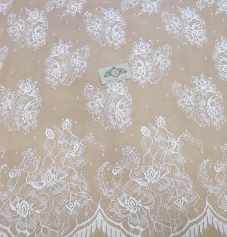 Piena Balta puķaina plāna mežģīne. Photo 2