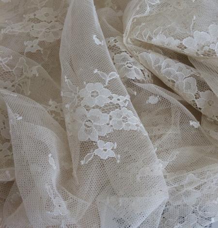 Miesas krāsas puķaina Chantilly mežģīne. Photo 2