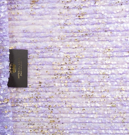 Violets gofrēts mežģīņu audums ar zelta fliteriem. Photo 1