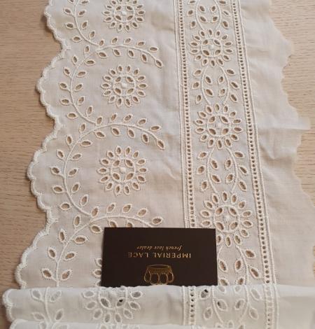 Ivory cotton lace timming. Photo 4