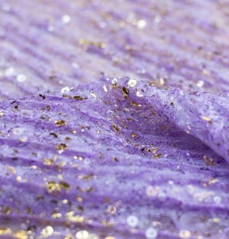 Violets gofrēts mežģīņu audums ar zelta fliteriem. Photo 6