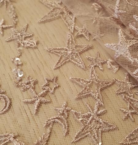 Veci rozā zvaigžņu raksts ar chantilly deteļām un fliteriem izšuvums uz tilla auduma. Photo 2