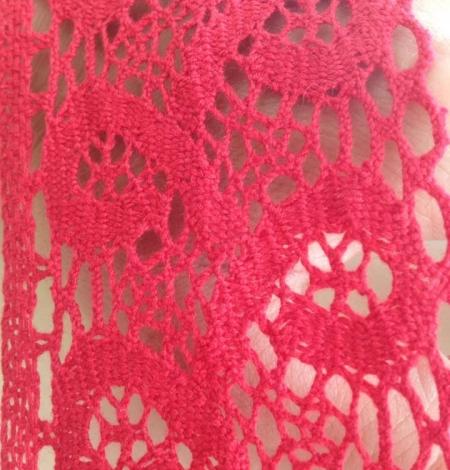 Sarkana kokvilnas mežģīnes maliņa. Photo 1