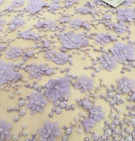 Violets pērļots 3D ziedu raksta mežģīņu audums. Photo 3