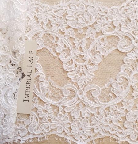 White French lace trim. Photo 6