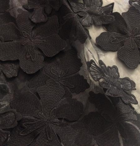 Melns 3D lielu ziedu raksta mežģīņu audums. Photo 3