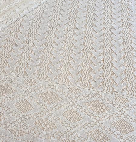 Ivory cotton 95% chantilly lace fabric. Photo 5
