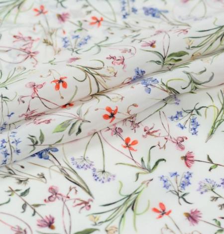 Balts ar romantisku ziedu rakstu zīda audums. Photo 3