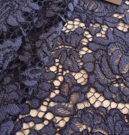 Bluish grey cotton polyester chantilly lace fabric . Photo 2